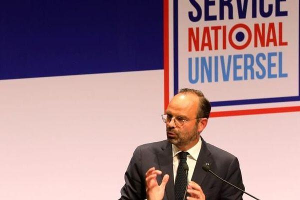 En septembre 2018, Édouard Philippe, le Premier ministre, avait lancé un cycle des concertations territoriales sur le Service national universel (SNU).