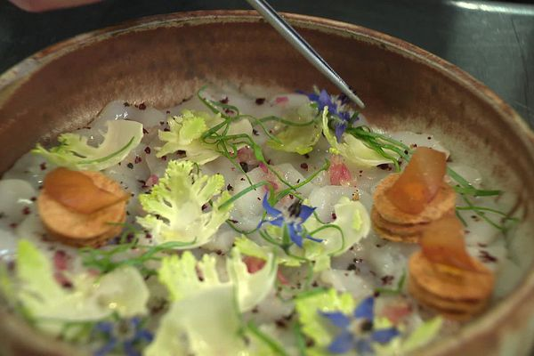 Le carpaccio de noix de Saint-Jacques du chef Jean-Michel Carrette