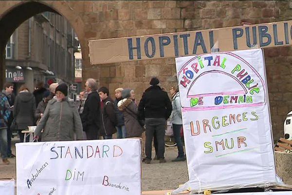 Rassemblement ce samedi devant la porte de l'horloge de Vire pour défendre l'hôpital de la ville