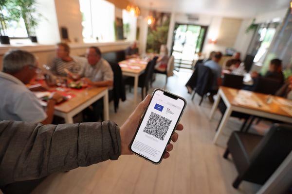 Les restaurateurs sur le qui-vive avant la mise en place du pass sanitaire au 1er août 2021.