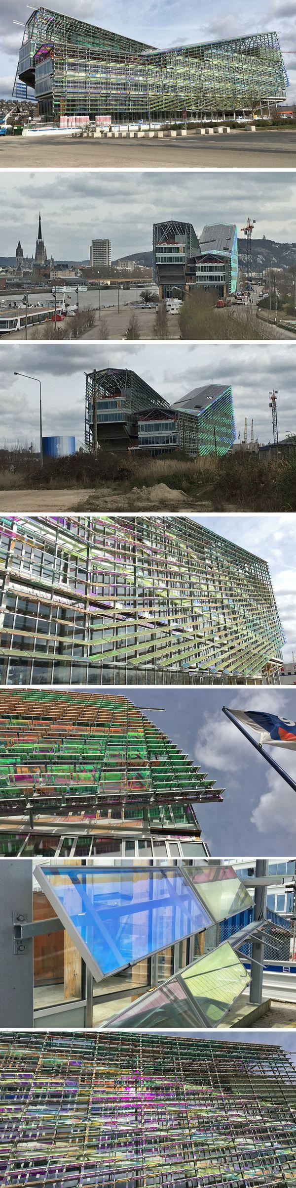 Rouen : le chantier de construction du hangar 108 à la mi-mars 2017 avec le détails des panneaux de couleurs de la façade. Architecte : Jacques FERRIER