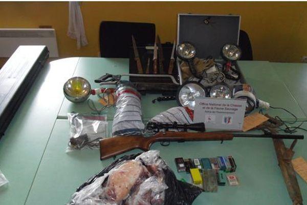 Saisie de matériels de chasse dans le cadre d'une enquête sur le braconnage de nuit