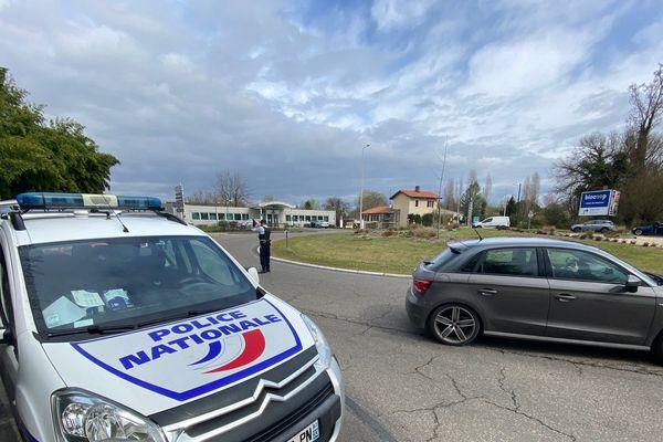 Contrôle de police à l'entrée de Mont de Marsan ce mercredi 17 mars