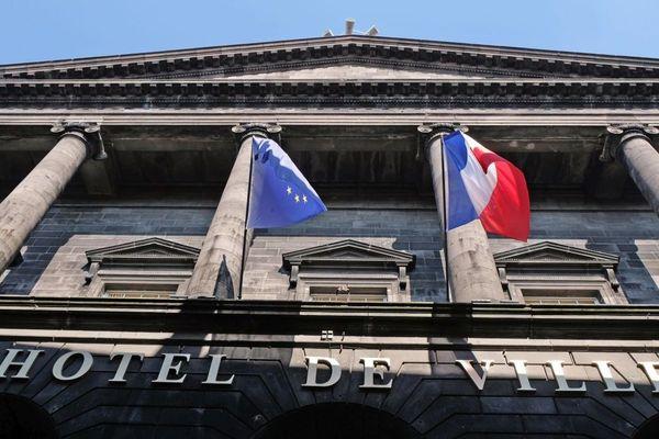 A Clermont-Ferrand, 3 candidats convoitent le fauteuil de maire.