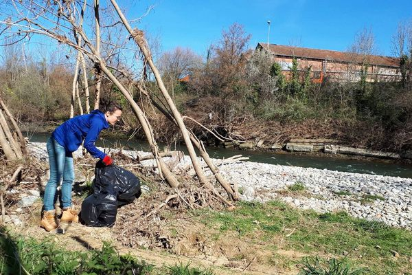 Les bénévoles ont parcouru 2 kilomètres et ramassé 15 mètres cubes de déchets.
