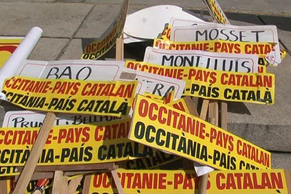 Des panneaux Occitanie pays catalan