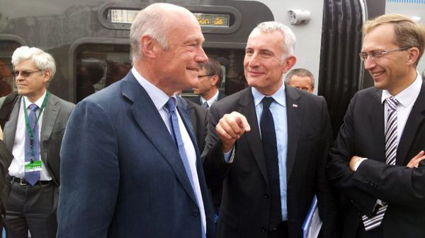 Alain Rousset, Guillaume Petit, Henri Poupart-Lafarge Gare de Bordeaux Saint-Jean pour la première sortie nationale officielle du Ter Régiolis