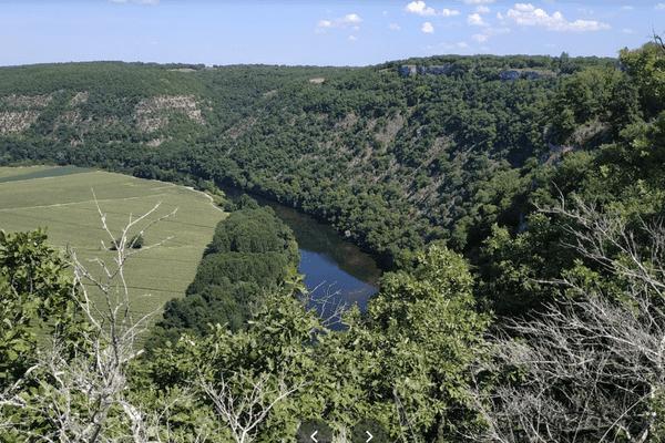 L'incendie s'est développé sur les causses de Saujac dans l'Aveyron, non loin  du plateau de la Mounine.
