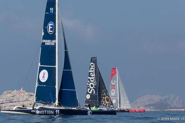 Pour la 1ère fois au cœur de la Méditerranée, une course confronte l'élite des skippers de la Course au Large, sur les plus grands bateaux de course à la voile au monde, de véritables monstres des mers : les Ultimes