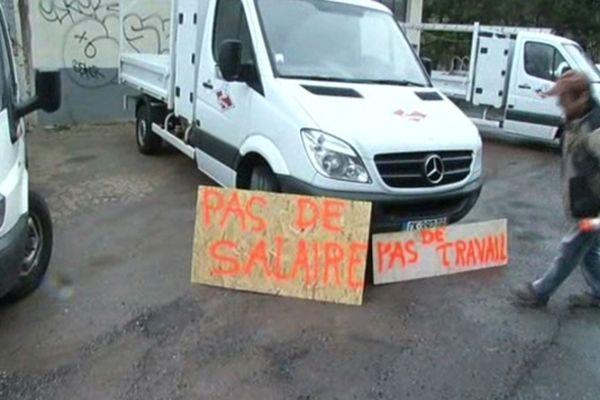Langogne (Lozère) - grève chez ELB Sovetra - 2 avril 2013.