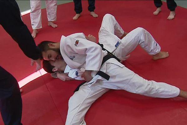 Judokas et cadets de l'école nationale de police de Nîmes ont échangé pendant deux jours, une expérience enrichissante d'un côté comme de l'autre - 2 novembre 2017