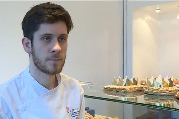 Émilien Pluvinage, ingénieur en maths, a plaqué la City de Londres et le milieu de la finance pour changer de vie et rependre une pâtisserie à Prades-le-Lez, près de Montpellier.