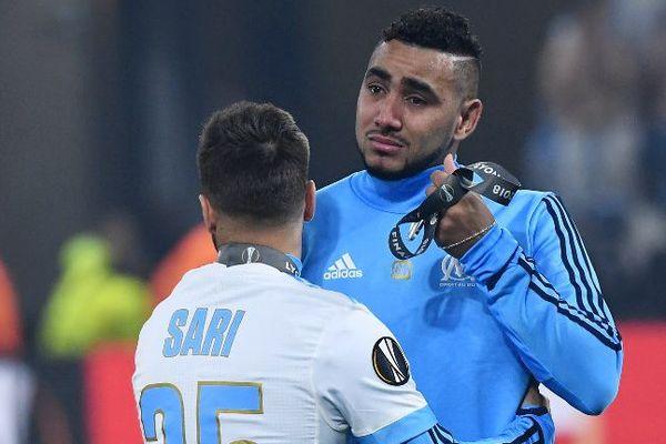Ses coéquipiers ont multiplié les gestes d'affection après sa sortie du terrain sur blessure. Quel avenir pour Dimitri Payet en équipe de France ?
