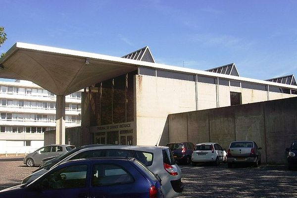 Le tribunal d'Evry.