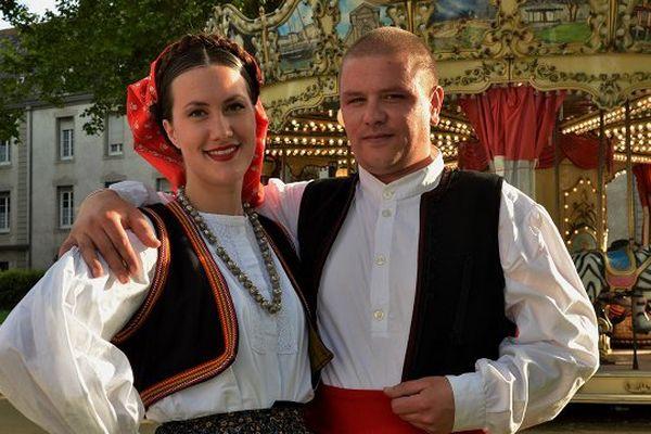 Comme en Bretagne, c'est en couple que l'on danse en Dalmatie.