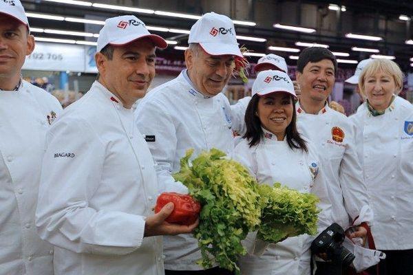 Les chefs cuisiniers ont pu apprécier les différents produits proposés par le Marché de Rungis.