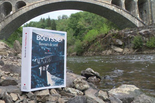 """""""Buveurs de vent"""", le nouveau roman de l'écrivain corrézien Franck Bouysse"""