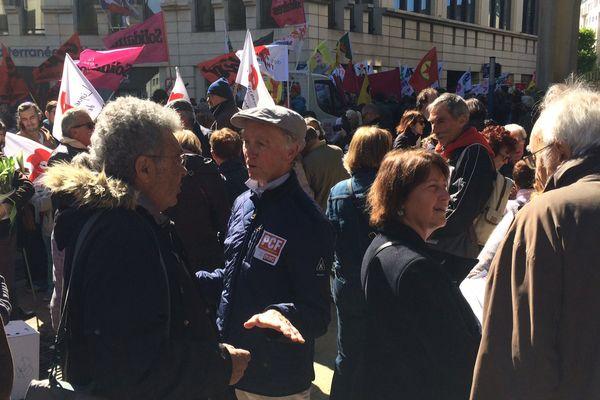 Le défilé du 1er mai à Montpellier a réuni tous les syndicats sauf la CFDT, qui appelle à voter Emmanuel Macron - avril 2017
