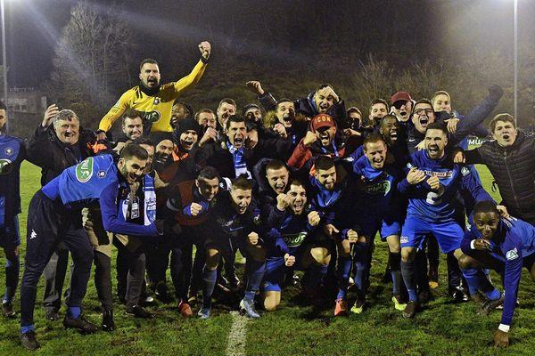 l'équipe du FC Limonest St Didier au Mont d'Or le 5 janvier 2020 après sa victoire face au Puy