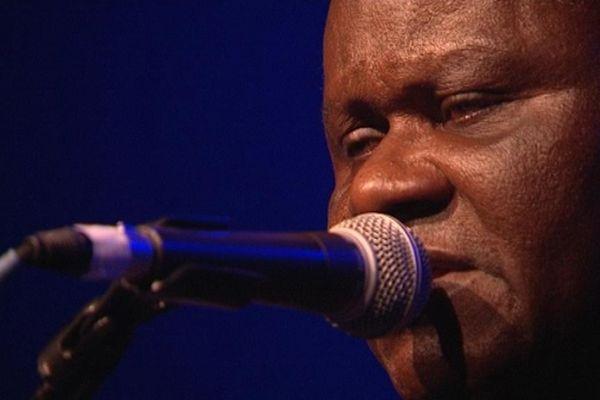 Zé Luis était en concert mercredi  au Théâtre de Coutances