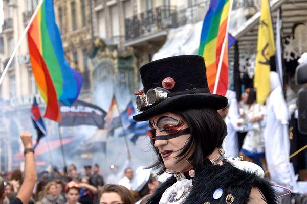 La marche des fiertés LGBTQI (Pride 2016 sur la photo) est destinée à donner une visibilité aux personnes homosexuelles, bisexuelles ou trans. Annulée deux années de suite, elle fait son retour en format réduit, à Arras et à Lille ce week-end.