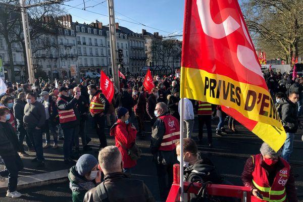 Manifestation à Nantes à l'initiative de l'intersyndicale CGT, FSU, Solidaires, Unef, UNL, MNL, et FIDl pour l'emploi et contre la précarité