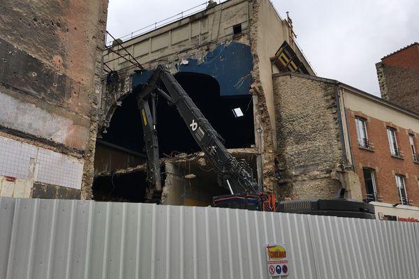 La démolition du cultissime cinéma Opéra de Reims a débuté à la mi-janvier 2021.