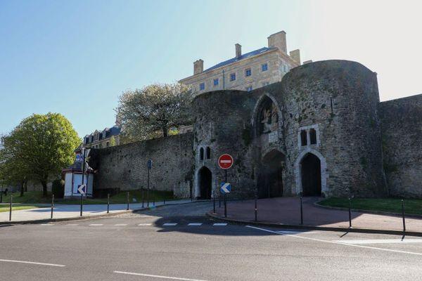 Haute-ville et château de Boulogne-sur-mer où les hommes du général Lanquetot résisteront jusqu'au 25 mai 1940.