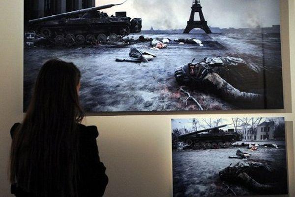 """Un photomontage de Patrick Chauvel à l'occasion de l'exposition """"peur sur la ville"""" à Paris"""