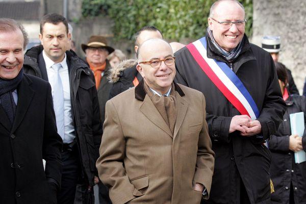 Bernard Cazeneuve à Jarnac pour le 21ème anniversaire de la mort de François Mitterrand.
