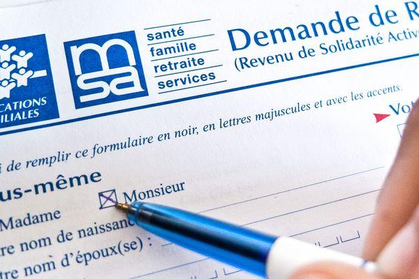 Le président du Conseil Départemental de l'Aisne propose que les bénéficiaires du RSA consacrent 35 heures par semaine à leur projet de réinsertion.