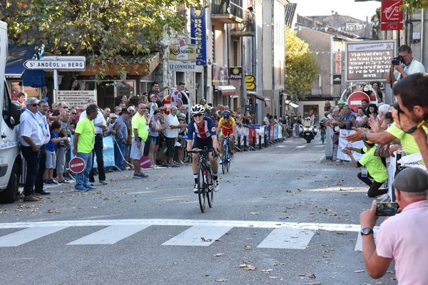 L'américaine Ruth Winder a remporté la 3ème étape du tour cycliste féminin de l'Ardèche vendredi 14 septembre, à l'issue d'une course mouvementée.