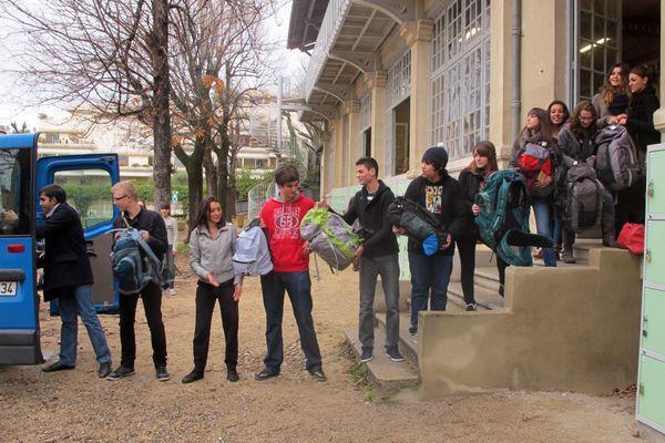 L'idée a germé à Montpellier. Des collégiens, lycéens, étudiants y sont associés et collectent les sacs à dos destinés aux SDF