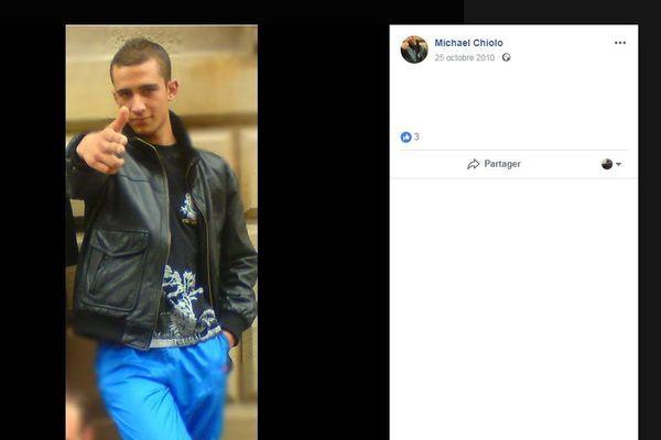 La photo de profil du compte de Michaël Chiolo date de 2010.