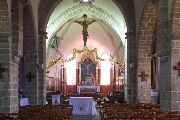 Le diocèse de Lyon compte près de 550 églises réparties sur le département du Rhône, et l'arrondissement de Roanne dans le département de la Loire (Illustration : Eglise de Saint Haon le Chatel, Loire, France)