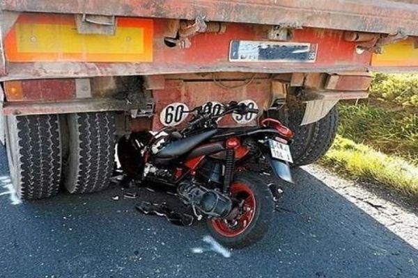 Entre Espira-de-l'Agly et Cases-de-Pène (Pyrénées-Orientales) : le pilote du scooter a été grièvement blessé, notamment aux membres inférieurs - 22 janvier 2015