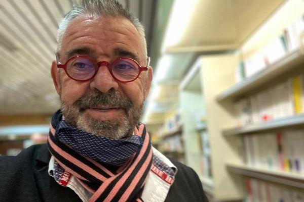 Dominique Jeay, seul libraire indépendant à Mazamet (Tarn)