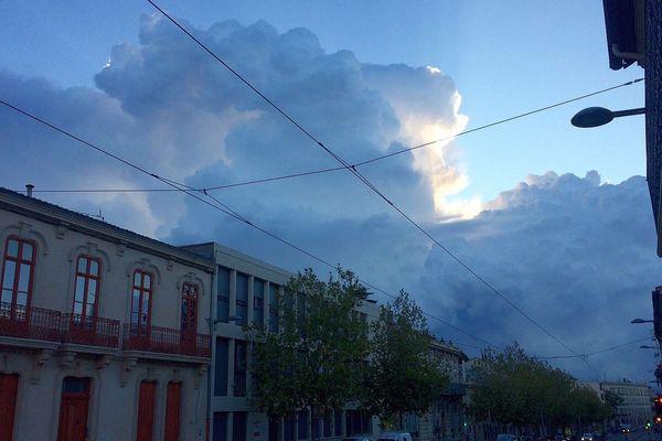Montpellier - un orage en préparation - septembre 2016.