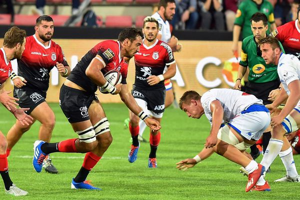 Quand reverra-t-on les rugbymen toulousains et castrais sur le terrain ? Les deux clubs de Midi-Pyrénées sont dans l'expectative.