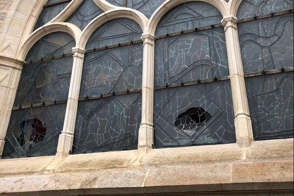 Des pavés ont été retrouvés à proximité de l'église Notre-Dame de Talant.