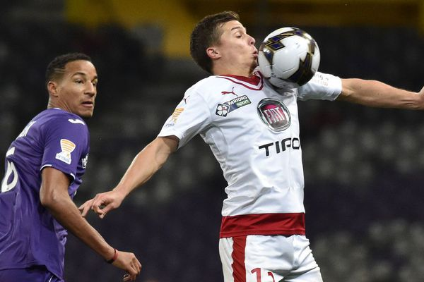Le défenseur du TFC Thierry Jullien lors de la rencontre Toulouse Bordeaux