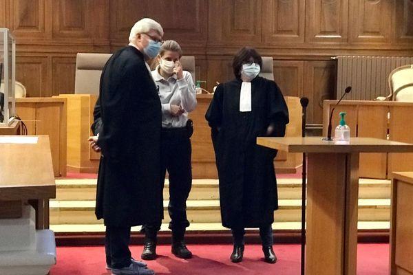 Le procès des deux hommes accusés du meurtre d'Yves Sabatier, dure trois jours et a lieu aux assises du Gard - 14 octobre 2020