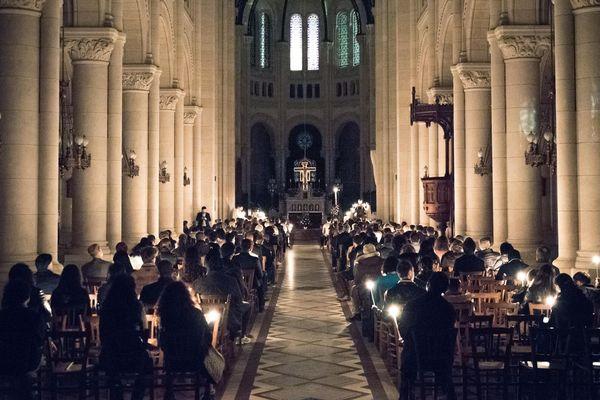 Une veillée de Pascale à l'église Saint-Ambroise à Paris (XIe).