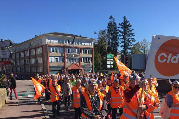 A Épinal ce jeudi 04 octobre, 300 retraités manifestent pour la défense des retraites.