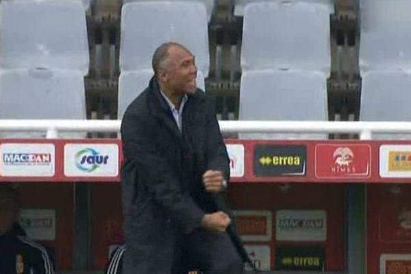 Antoine Kombouaré, entraîneur du RC Lens, heureux d'avoir vu ses joueurs revenir au score.