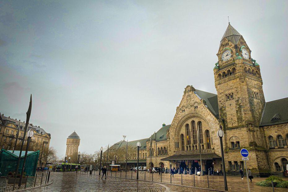 Metz : la gare sacrée plus belle gare de France face à Saint-Brieuc