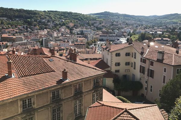 Les habitants du Puy-en-Velay ont-ils versé 3 millions d'euros d'impôt en trop en 2018 ? C'est ce qu'insinue l'opposition au maire UDI Michel Chapuis,  après un conseil municipal électrique mercredi 3 avril.