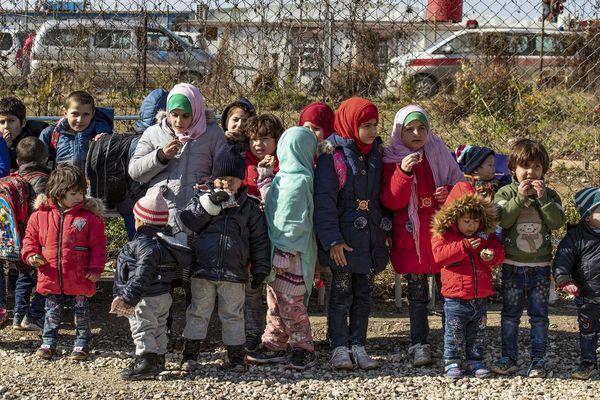 Enfants orphelins dans le camp kurde d'Al-Hol en Syrie