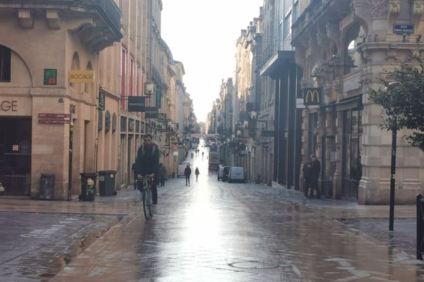 La rue Sainte Catherine à Bordeaux au premier jour de ce deuxième confinement.