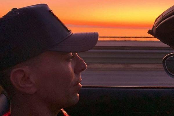 Le coiffeur d'origine nancéienne Xavier Scordo, vit son rêve américain à Santa Barbara (callifornie).